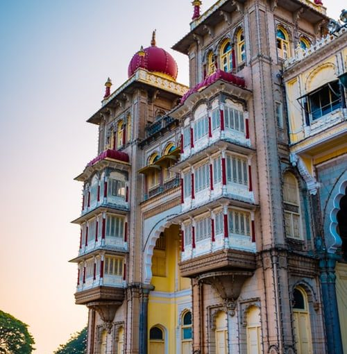 Super Deluxe Heritage Royal Santrian Hotels in India